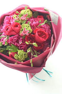 花贈りのプロがオススメする結婚記念日に贈る花