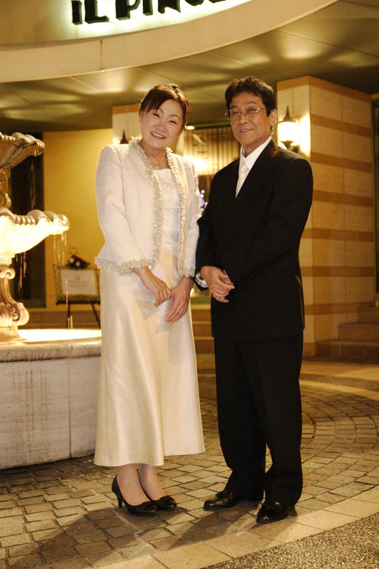 結婚式 披露宴 服装 50代女性