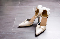 これを知らなきゃレディになれない?結婚式のお呼ばれで履く靴のマナー