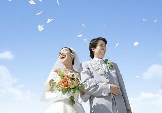 ピンクとホワイトの代表色を参考に!花嫁が映えるカラーって?