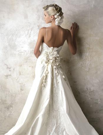 「花嫁 ドレス 背中」の画像検索結果