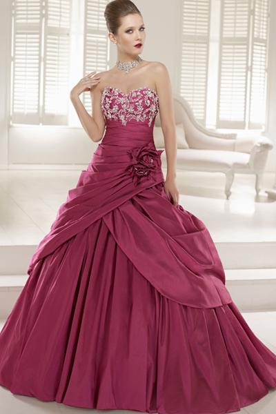 チェリーブラッサムカラーのドレス