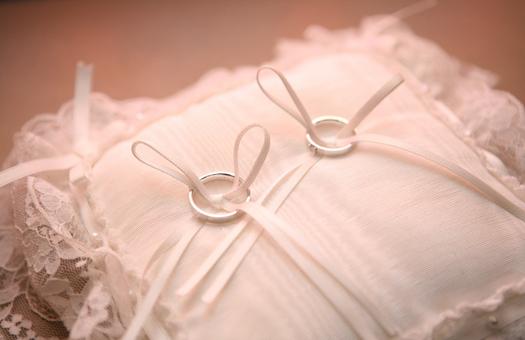 3deef608de37c 結婚式当日の持ち物チェックリスト~ふたりのもの編 - ぐるなびウエディングHOWTO