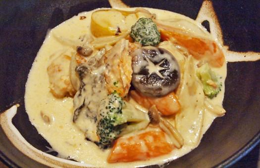 秋鮭ときのこの味噌シチュー