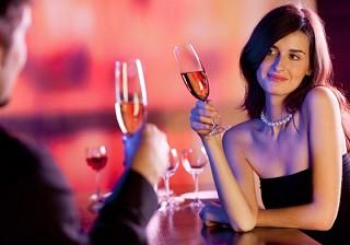 初デートはどこに行きたい?居酒屋派の男女が3割以上もいると明らかに