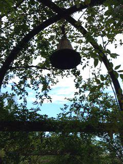 ホテルニューアカオ公国 この鐘を二人で鳴らせば愛が成就するんだって!