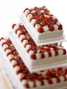定番スクエア型の三段ケーキ