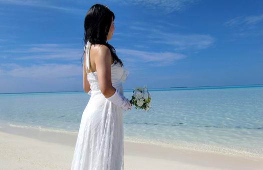 ここが決め手!アラフォー花嫁の衣装選び