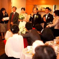 他のどの会場とも違う<結婚式>