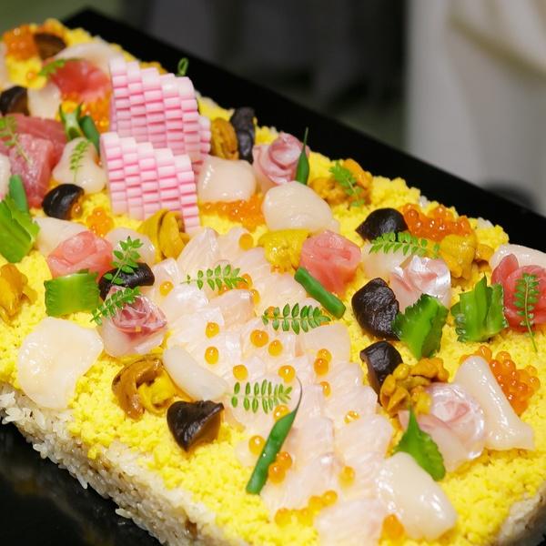 海の幸をふんだんに使ったオリジナルちらし寿司