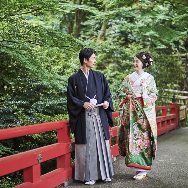 写真だけの結婚式 庭園内でのロケーション撮影