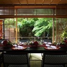 料亭「錦水」個室にて和の会席料理でおもてなしを