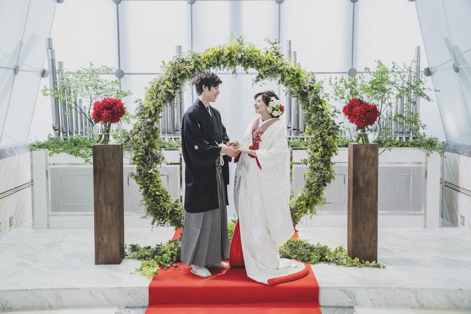 チャペルで挙げるオリジナル和装人前式「TSUNAGU婚」