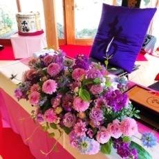 客殿 メイン卓装花
