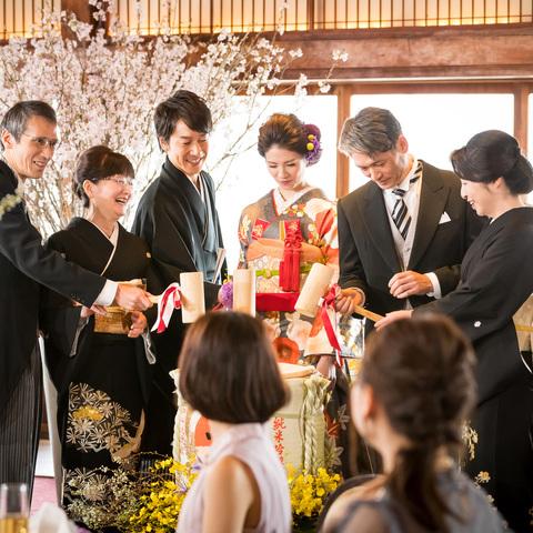 鏡開きなど伝統ある儀式を通して家族の絆を紡ぐ