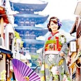 高台寺すぐ近く。寺社仏閣溢れる東山の地で一生の想いを誓う