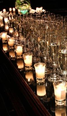 乾杯もシャンパングラスで!シャンパンタワーもOK!