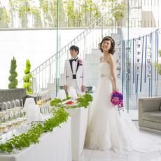 挙式前からドレスをお召し頂き、ゲストをお迎えする事も可能