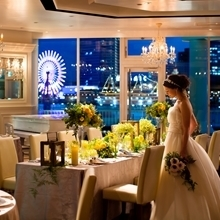 神戸港の絶景を見渡すテラス付の会場でアットホームなパーティを