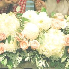 おふたりの前のお花も