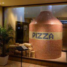 大きなピザ釜