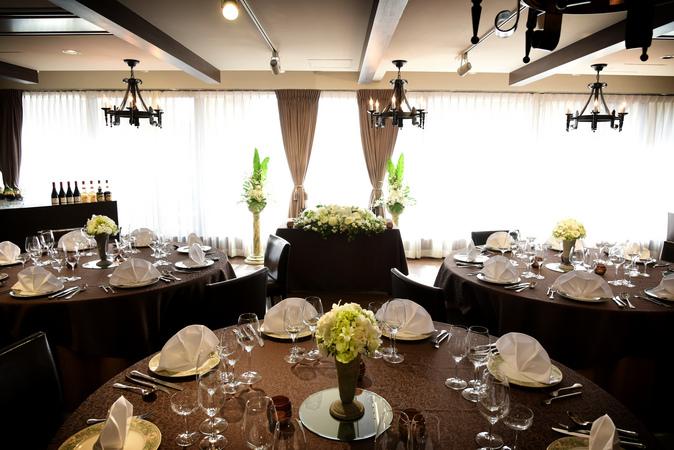 最上階7階のバルコニーホールは披露宴にも挙式場としても人気