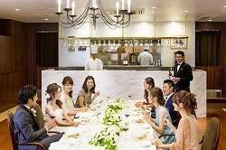 ゲストと和やかな雰囲気の中美味しいお料理を堪能☆