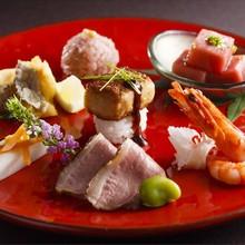 お料理には彩り豊かな地産地消の食材を使っています