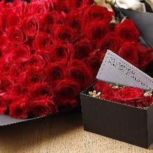 プロポーズを華やかに彩る花束