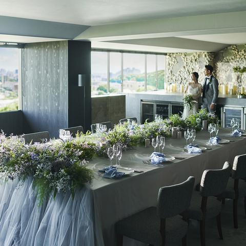 38名様までの少人数パーティーには大きな窓から福岡の景色が見える【CABANA ROOM/カバーナルーム】個室貸切でプライベートな時間を過ごせる。少人数専用のブライダルフェアにお越しください。
