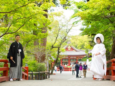 控室入室前に写真撮影。鎌倉の四季折々の自然をご堪能頂けます
