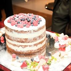 オリジナルウエディングケーキ シエロイリオ