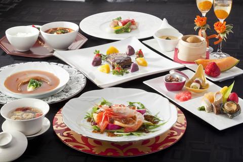 お箸で食べられるフルコースは、ご親族にも喜ばれます