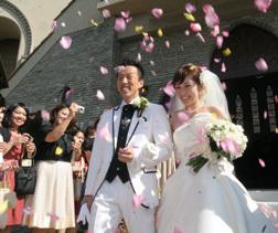 一目ぼれチャペルで和やか結婚式