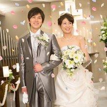 幸せに溢れた花嫁の笑顔。心温まるひと時をお過ごしいただけます
