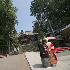 六所神社前にて
