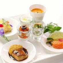 華やかなASOの料理はいつまでもゲストの記憶に残ります