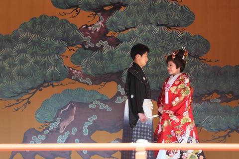 【袴・色打掛け】多くの写真スポットがあるのも魅力の神田明神です。