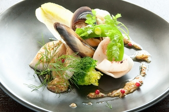 魚介類の温製サラダ