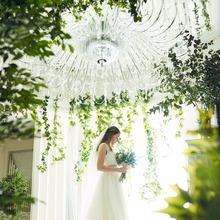 純白のドレスが映える透明感溢れるチャペルをフェアで確かめて
