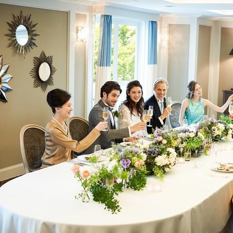 大切なご家族での会食。すべての設備も兼ね備えており、一日寛げるお時間に