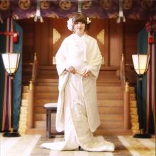 神殿での厳かな挙式