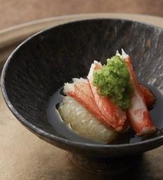 ずわい蟹の塩蒸しと二色のグレープフルーツ 土佐の割り酢