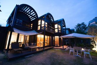 180坪の敷地、一軒家でごゆっくりとお食事をお楽しみ下さい