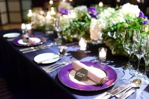 テーブルクロス、ショープレート、ナフキンもお好きなお色を選べます