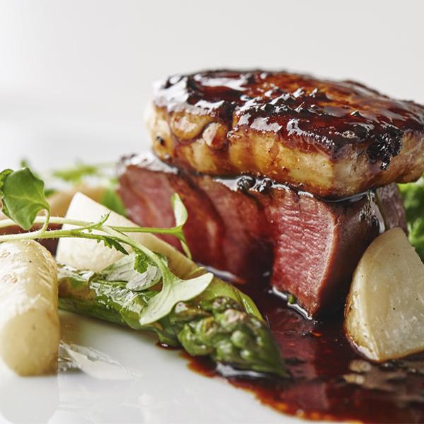 国産牛フィレ肉と香ばしく焼き上げたフォアグラのロッシーニ