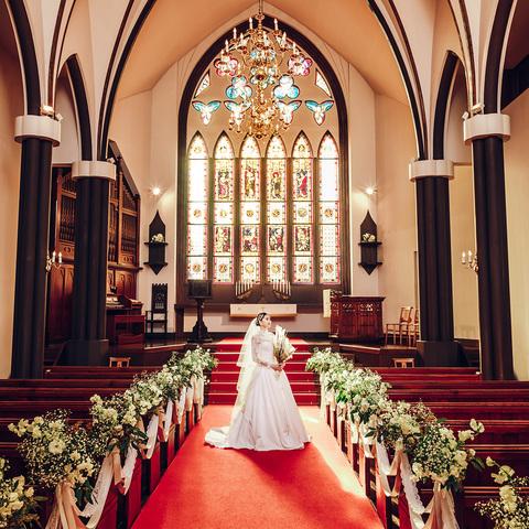 英国から譲り受けた200年の歴史を紡ぐセント・マーガレット大聖堂で10名の音楽家による感動の生演奏挙式を