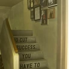 階段もフォトスポットに♪