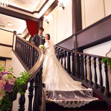 お姫様気分を感じる、当館自慢の大階段。
