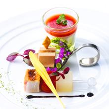 世界的に有名な建築家「安藤忠雄」設計のデザイナーズレストラン